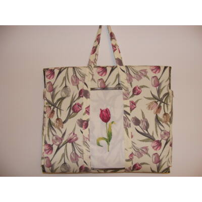 Hímzett napozó táska-tulipános